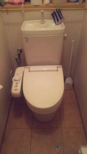既設 INAX製のシャワートイレ