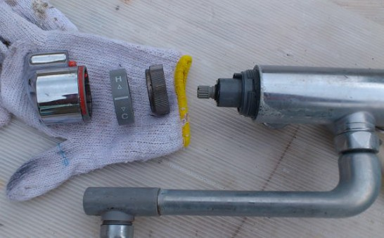 本体から水漏れしたTMG40CRX(調圧弁なし)を分解