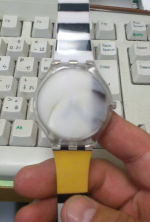 消毒用アルコール(エタノール)を透明なプラスチックに付けるとプラスチックが白く濁ってしまう