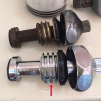 ツーバルブ混合栓のスピンドル部