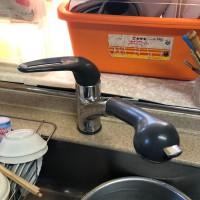 松下電工(nais)のシステムキッチン用シングルレバー混合栓SE54SKはカウンターの取り付け穴が大きく