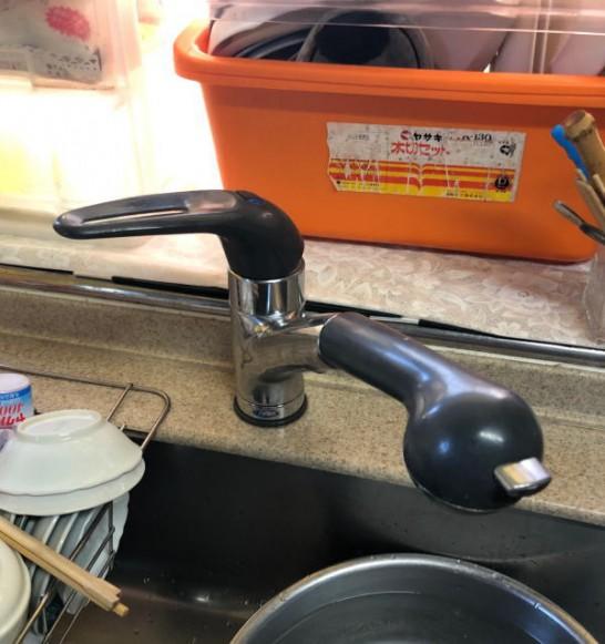 松下電工(nais)のシステムキッチン用シングルレバー混合栓SE54SK(カウンターの穴が大きい)の取り替え方法