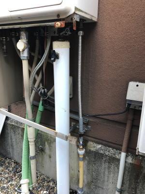 接続管で接続する